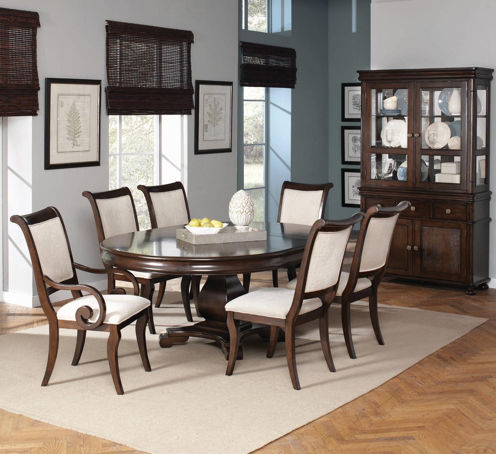 Harris 5 piece dining and chair set