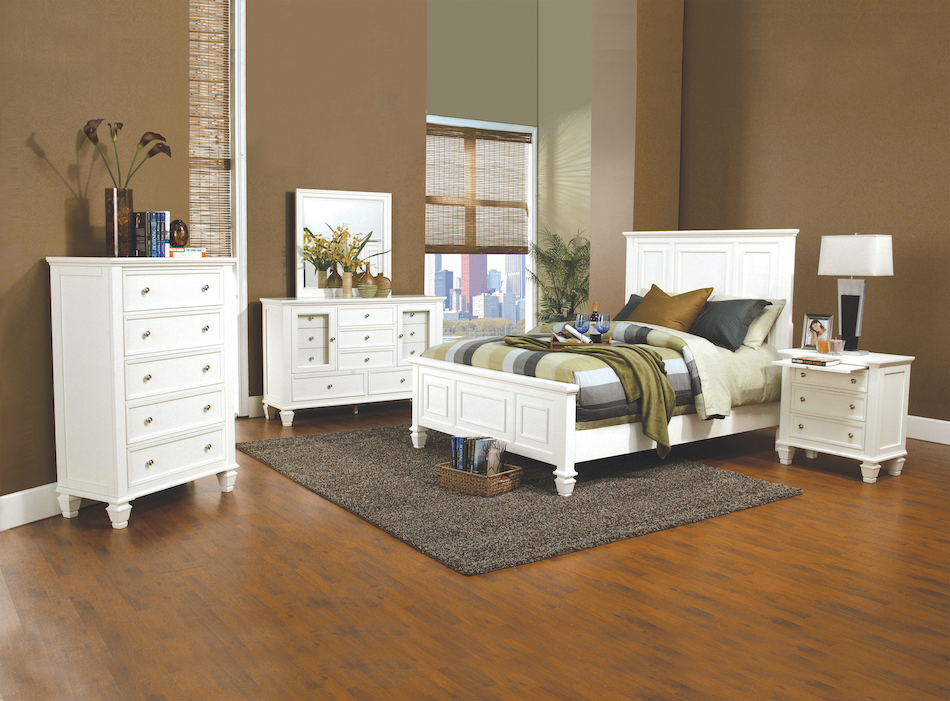 Cal king 4 pc set, sandy beach classic( bed, dresser, nightstand, mirror)